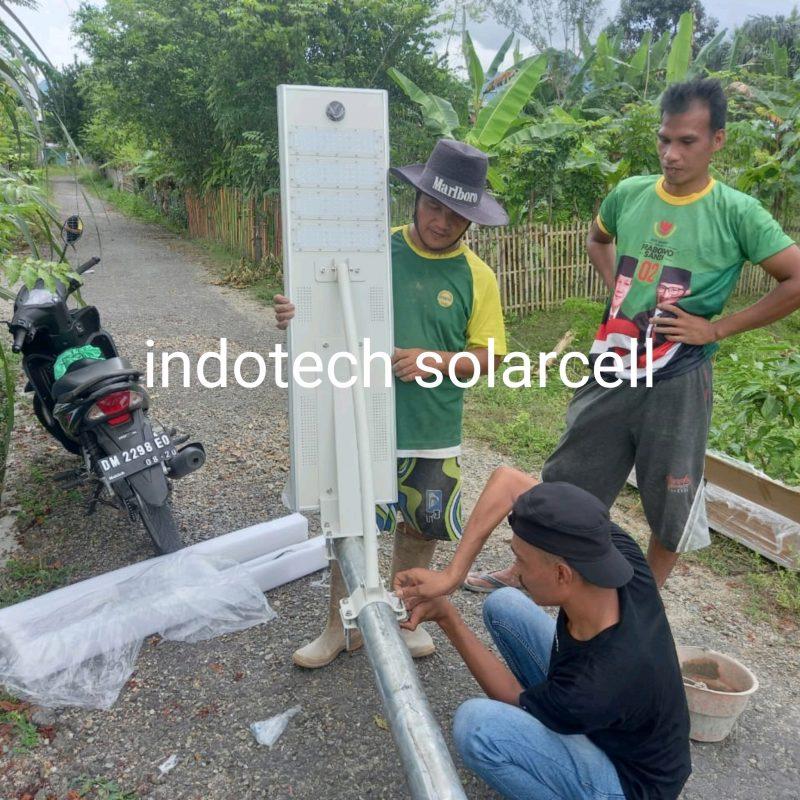 pju 60 watt, pju all in one 60 watt, tiang pju, pasang pju, pasang lampu tenaga surya, pengiriman pju, surya panel 60 watt, lampu jalan 60 watt
